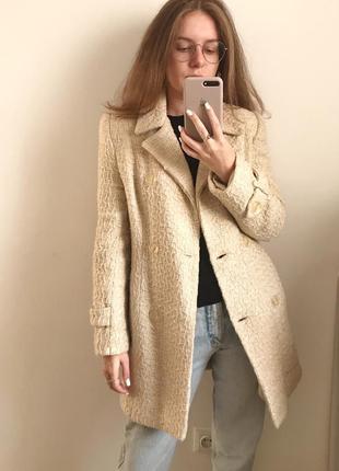 Пальто бежевое, короткое, с поясом, бу, ххс-хс
