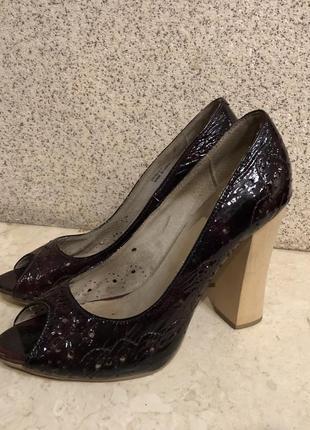 Новые туфли кожаные 36