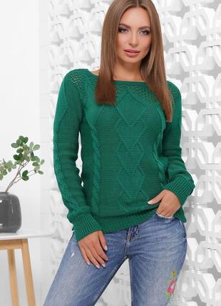 Стильный свитер изумрудного цвета