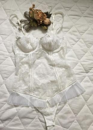 Сексуальное белое боди стринги на косточках 75\80в гламурное кружевное