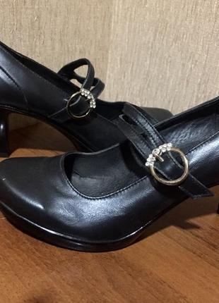 Распродажа женской обуви! туфли на застёжках