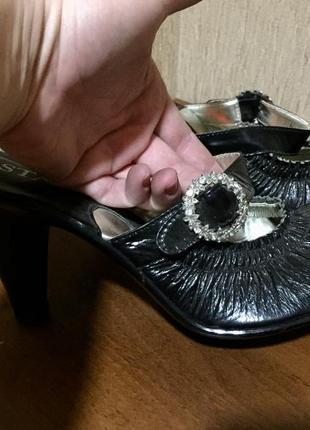Распродажа женской обуви! красивые босоножки