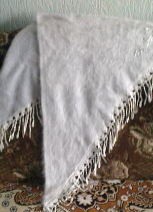 Нарядный платок с ангоры 150 на 95 см