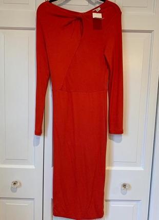 Красное базовое тёпло облегающее платье миди с длинными рукавами по фигуре длинное