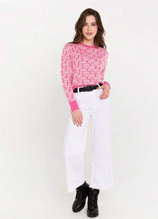 Яркий оверсайз свободный джемпер с надписями gloria jeans