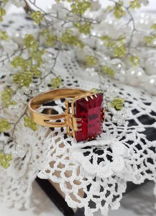 Кольцо 💍 ссср винтаж перстень латунь в позолоте с рубином стеклянный кристалл