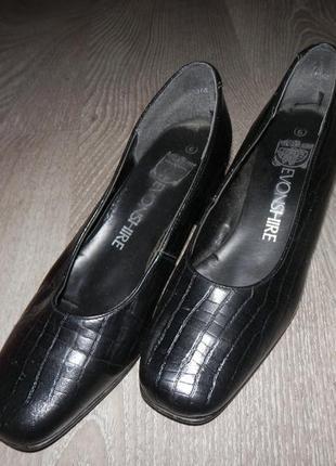 Туфли под кожу рептилии