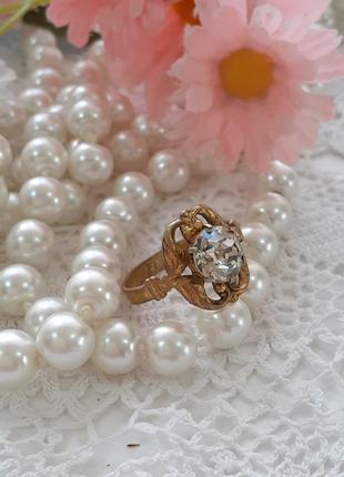 Кольцо перстень латунь в позолоте с кристаллом винтаж советское