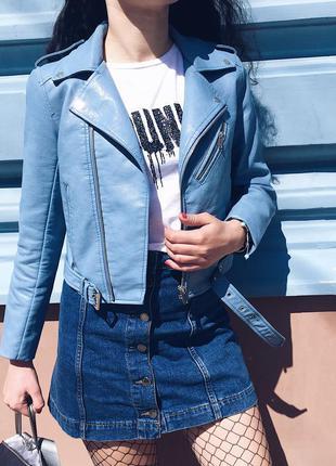 Маст-хев у літньому гардеробі : укорочена косуха в ідеальному кольорі )