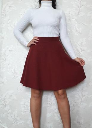 Бордовая юбка а-силуэта