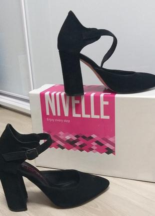 Женские туфли из натуральной замши