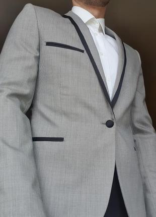 Костюм класичний чоловічий сірий піджак смокінг чорні штани весільний класический мужской