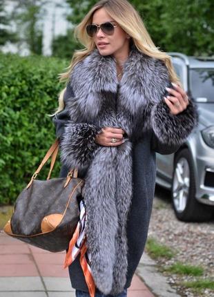 Пальто с мехом чернобурки шерсть кашемир!  италия  шикарная вещь последняя коллекция
