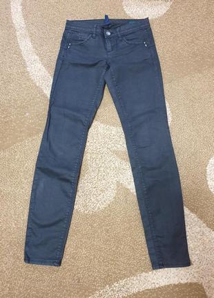 Женские джинсы скини benetton jeans р-р s-xs