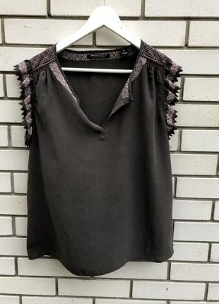 Шелковая блузка с вышивкой maison  scotch