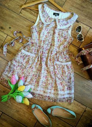 Нежное цветочное платье с молочным кружевом