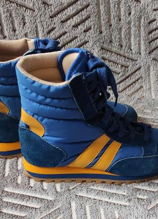 Винтажная спортивная обувь