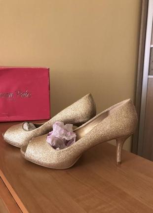 Новые туфли глиттер блестящие