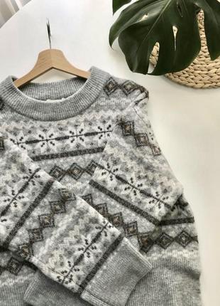 Свободный жаккардовый свитер с круглым вырезом и длинным рукавом из шерсти h&m