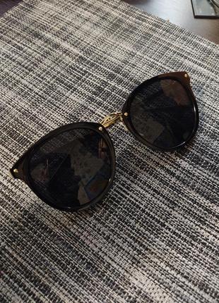Солнцезащитные очки женские черные золотые cat eye