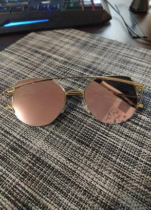 Солнцезашитные очки жеские розовое золото кошки cat eye
