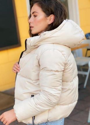 Курточка с капюшоном