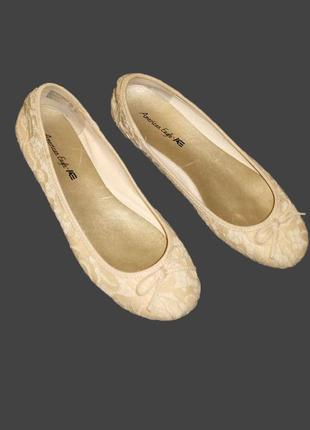 Огромный выбор обуви и акссесуаров...фирменные ажурные балетки