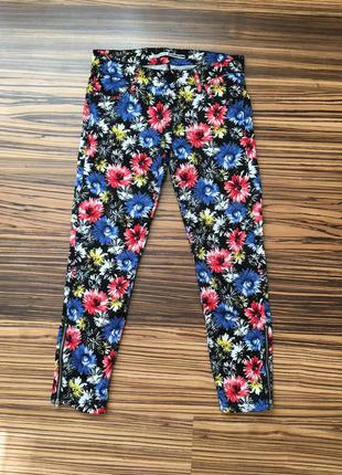 Укорочённые стильные штаны stradivarius