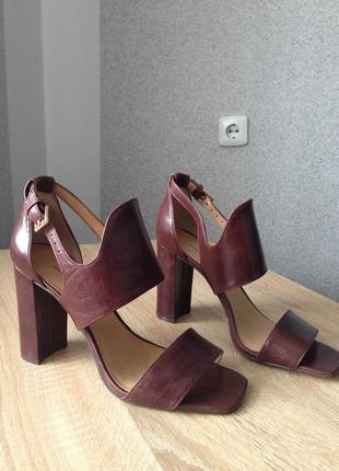 Новые туфли кожаные banana republic