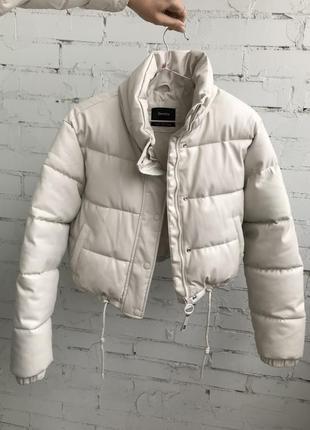 Крутая куртка bershka