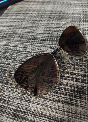 Солнцезащитные очки женские коричневые