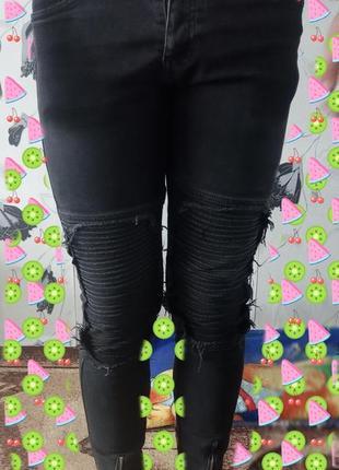 Продам на подростока джинсы