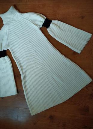 Теплое платье от бренда lost ink