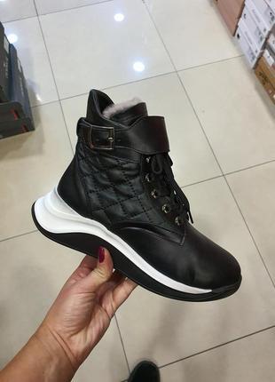 Кожаные зимние ботинки, кроссовки