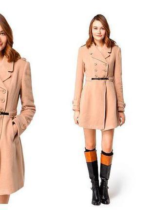 Пальто цвета camel