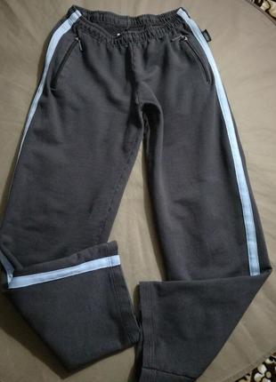 Германия.отличные качественные спорт штаны