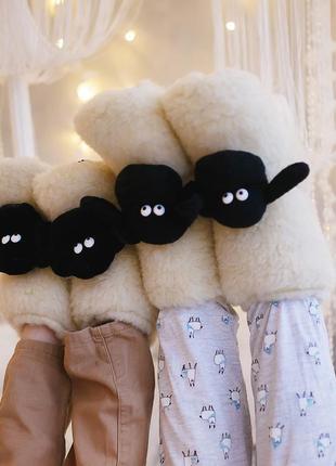 Мягкие домашние тапочки. натуральная овчина. подарок на новый год.