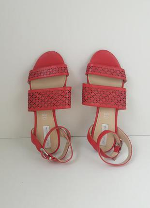 Кожаные сандали босоножки john rocha 61715