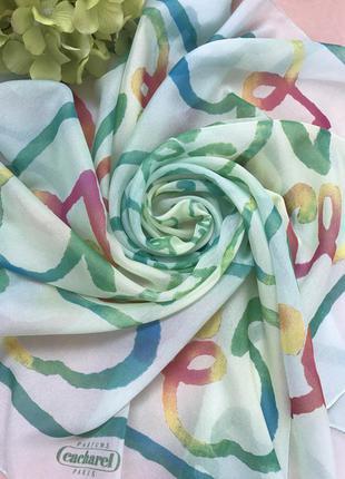 Красивый платок дорогого бренда cacharel paris, 78x79 см.