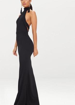 Потрясающе чёрное длинное  платье с открытой спинкой