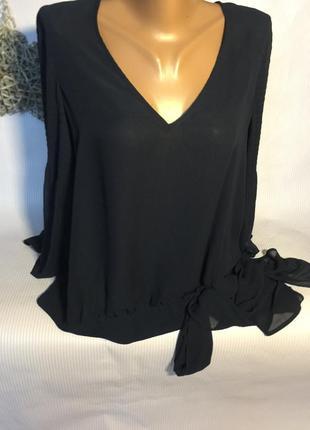 Шикарная блуза  с красивыми рукавами
