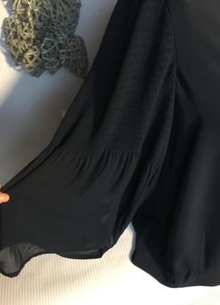 Шикарная блуза  с красивыми рукавами2 фото