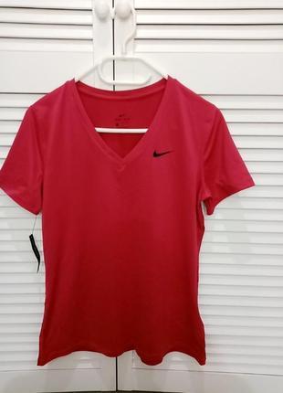 Продам оригінальну жіночу нову футболку фірми nike