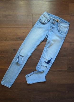 Женские джинсы ,штаны ,скинни светлые рваные