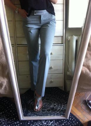 Классные базовые серые брюки вискоза+полиестер 10-12  мужского покроя