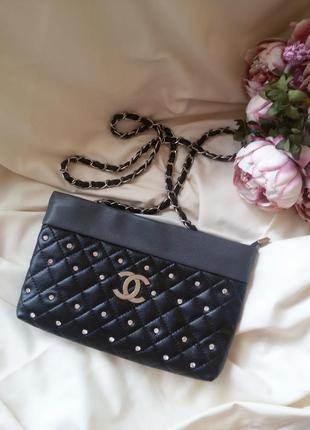 Стильная стеганая сумка сумочка клатч с логотипом со стразами