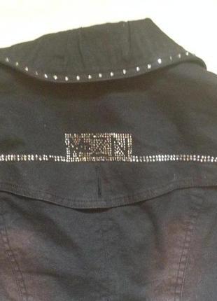 Коттоновый пиджак с баской3 фото