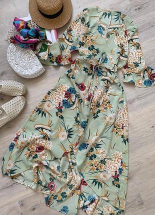 Невероятнейшее платье миди на запах в красивом фисташковом цвете в цветочный принт