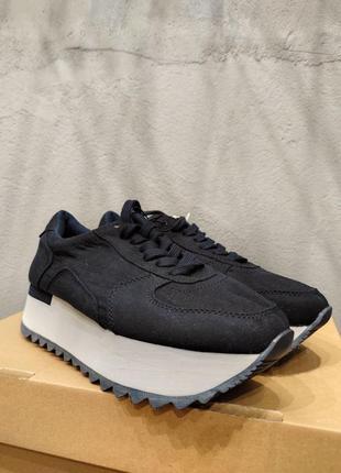 Нові кросівки на тракті💥
