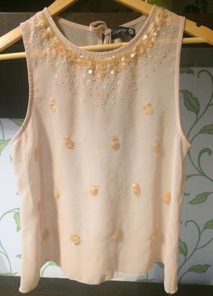 Нежная персиковая блузка